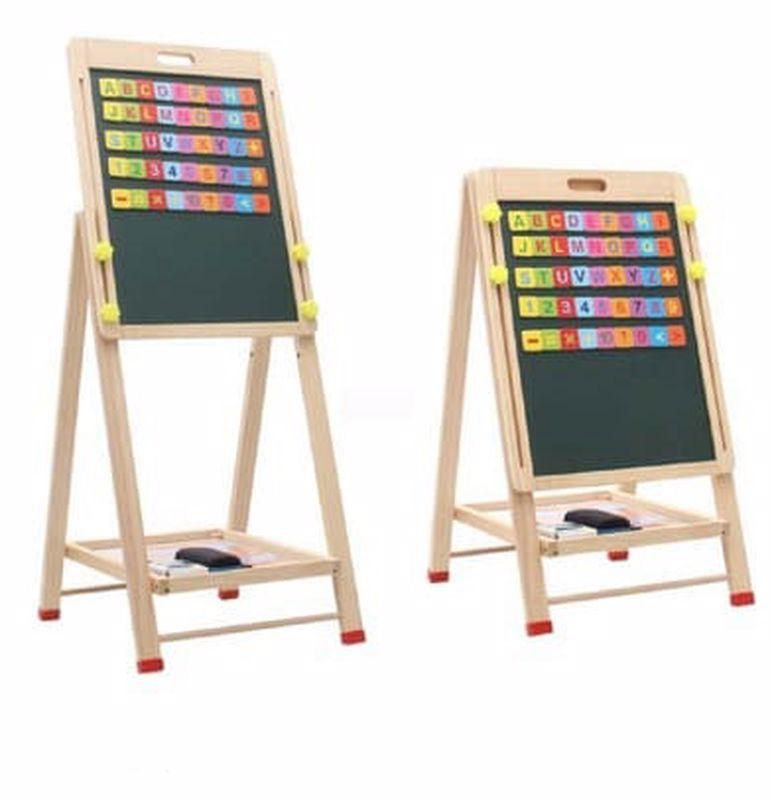 לוח ציור מעץ עם גירים