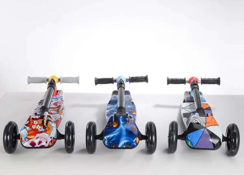 קורקינט 3 גלגלים עם אור+ הדפסים 3D וידיות מתקפלות